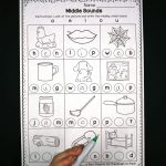 Middle Sounds Worksheets   Playdough To Plato   Free Printable Phoneme Segmentation Worksheets
